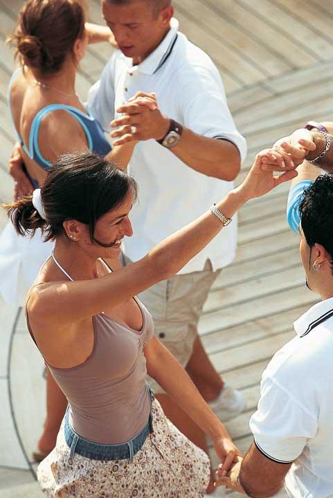 Dansez sur le pont du MSC Splendida sur des rythmes Gypsie et Flamenco