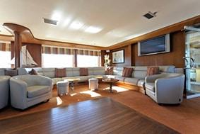 Lounge de luxe à bord du voilier