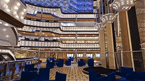 L'atrium étincellant du Costa Diadema