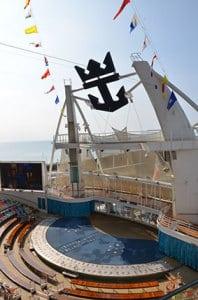 L'aqua Théatre à l'arrière de l'Oasis of the Seas
