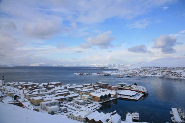 Le navire Trollfjord amarré à Hammerfest