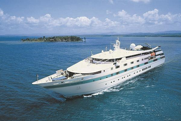 moana-yacht-petit-paquebot