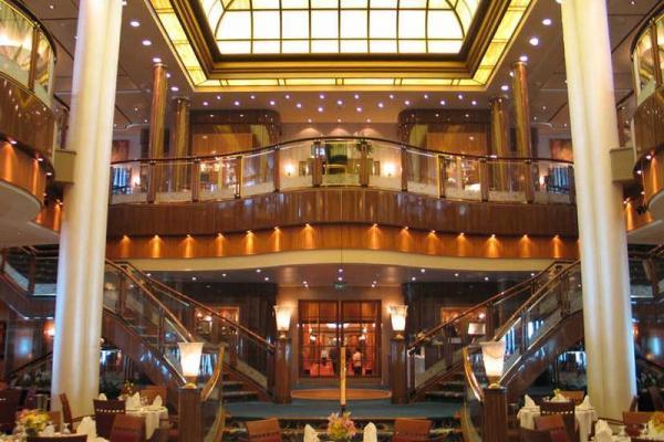 Restaurant principal Britannia sur le Queen Mary 2
