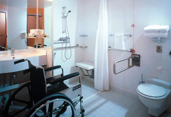 Salle de bains accessible sur le Celebrity Infinity
