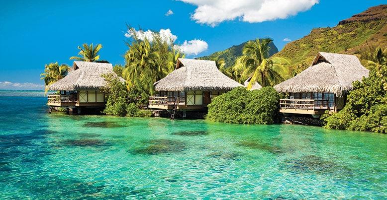 Maisons sur pilotis à Bora-Bora