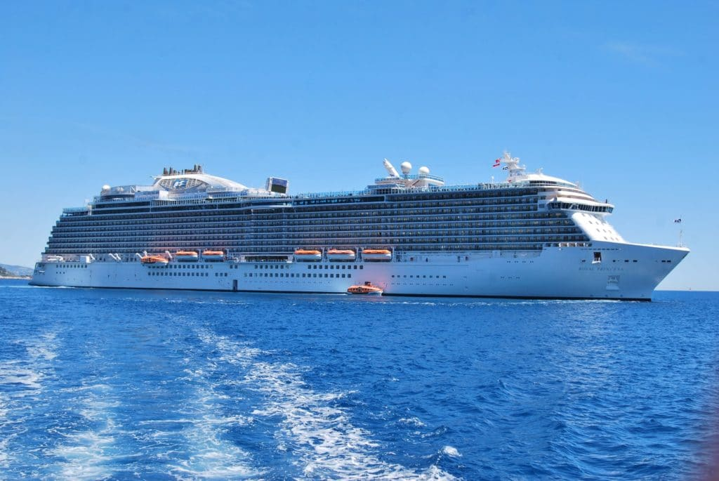 Navire-Royal-Princess-Cruises-Paquebot-1
