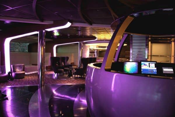 """La discothèque du navire Eclipse """"Quasar"""""""