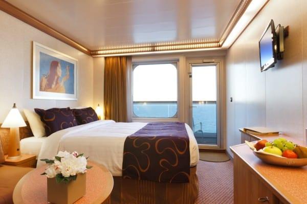 Cabine extérieure vue mer avec balcon à bord du Costa Favolosa