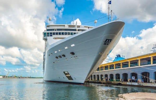 MSC Opera amarré au terminal de La Havane