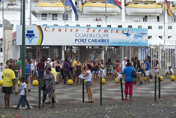 Entrée du terminal croisière de Pointe-à-Pitre
