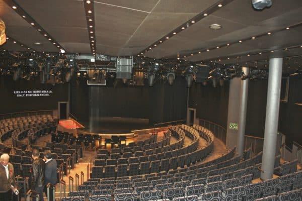Salle de spectacles World Stage © Nathalie Azur Croisières